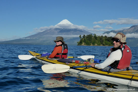 sea kayaking todos los santos lake close to Argentina